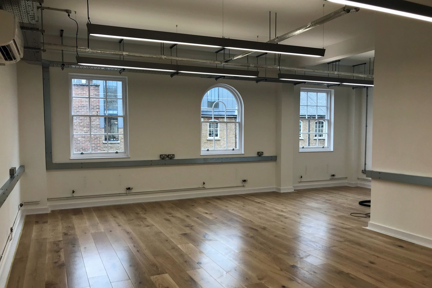 7 Bath Place EC2A 3DR Shoreditch Office Internal3