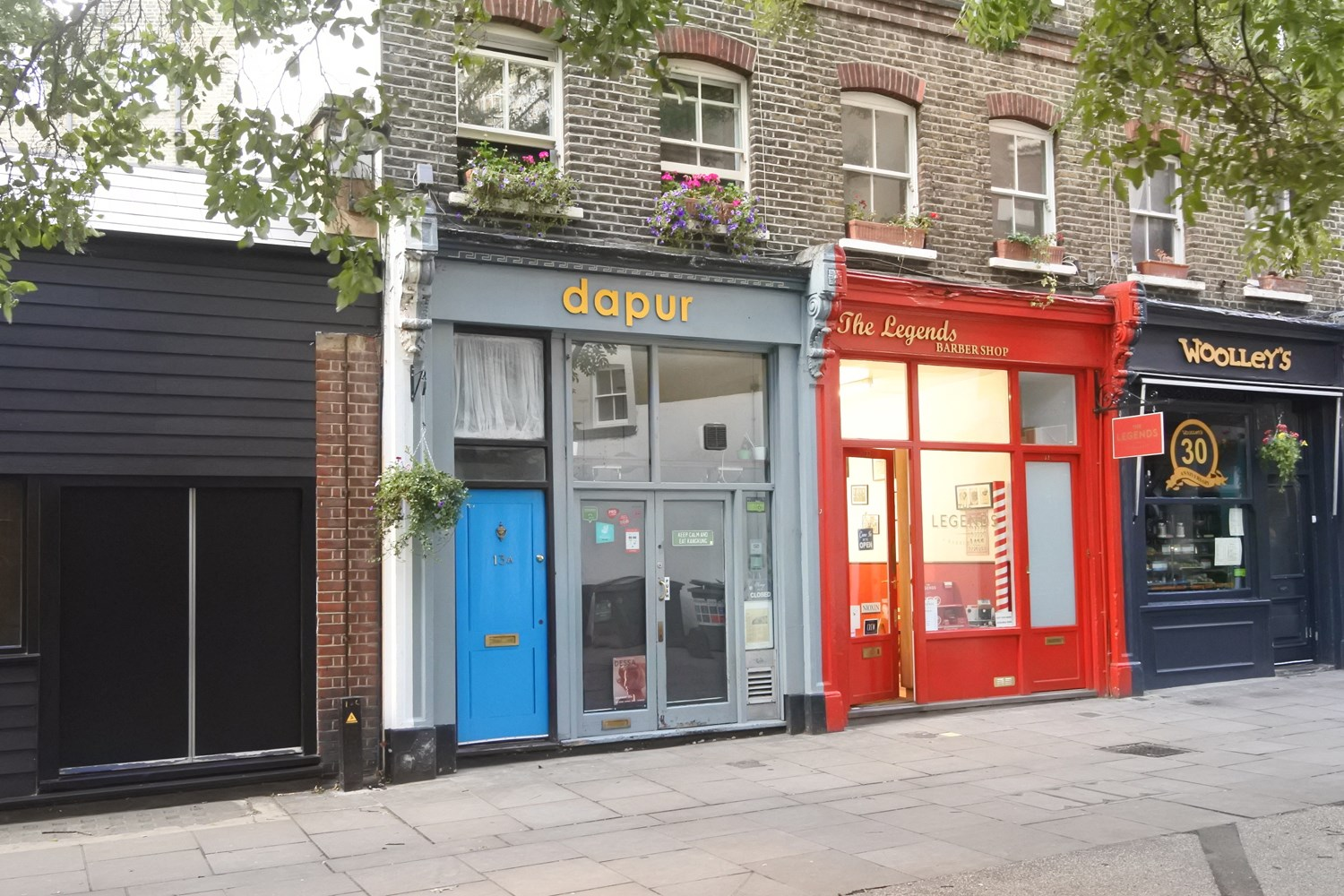 13 Lambs Conduit Street WC1R 4RH Holborn Cafe For Rent External1