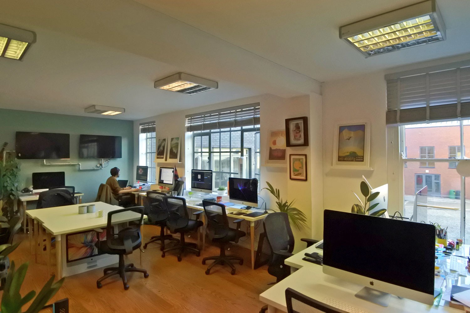 5 6 Hoxton Square First Floor N1 6NU Shoreditch Office Internal1